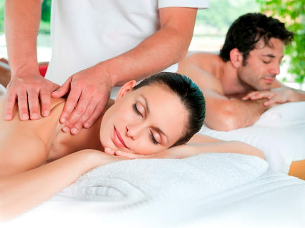 Treetops Accommodation Montville massages